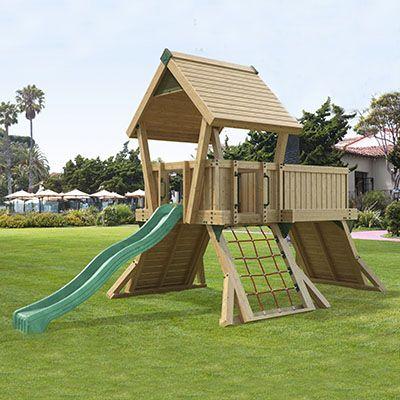 PRO-Q3 legeplads med tårn, klatrevægge, platform og rutsjebane