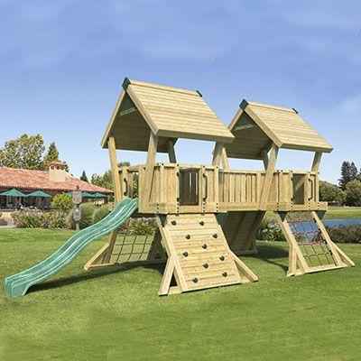 PRO-Q4 legeplads med tårne, klatrevægge og rutsjebane