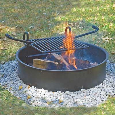 Tyveri- og vandalsikret bålplads i stål med justerbar grillrist
