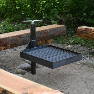 Shelter bålstativ med svingbar grillrist