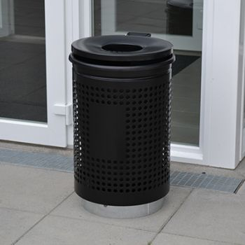 Info-teria Lillebælt Nord - udendørs affaldsbeholder med sokkel, låg og askebæger