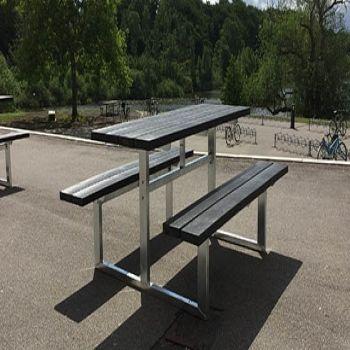 Frederiksborg Gymnasium - bordbænkesæt med plastplanker